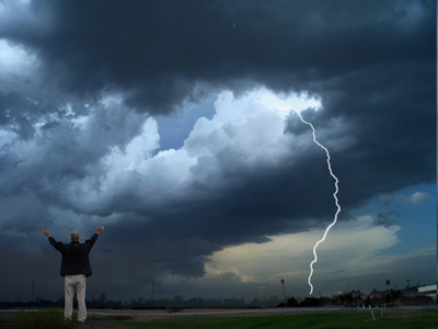 Praise in a storm - Photo: Jerry Worster